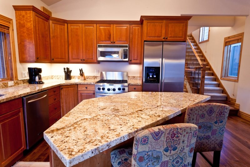 1108_lowell_kitchen1